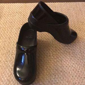 Black patent Dansko Clogs